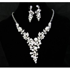 511218-101  Crystal Necklace Set with Pearl