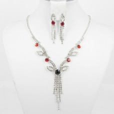 591372 Red in Silver Necklace Set