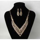 591455-201 Clear in Gold Necklace set