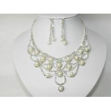 591464-101  NECKLACE SET WITH PEARL