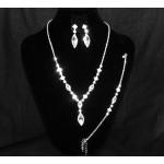 591487-101 Necklace Set & Bracelet