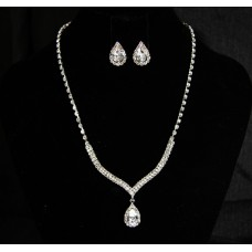 591503-101 Silver Clear  Necklace Set