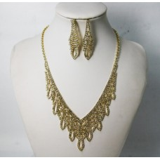 591508-201 Necklace Set in Gold