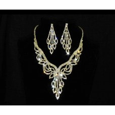 591509-201 Necklace Set in Gold
