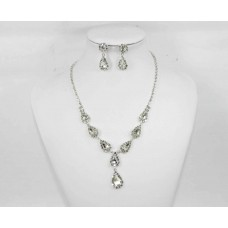 593512-101  Silver Clear Necklace Set
