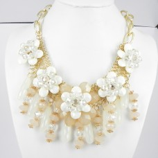 891025-208 Light Brown Flowers Necklace in Gold