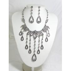 511084-102 Black Necklace Set in Silver