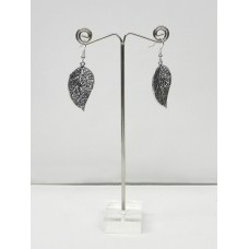 562003 - Display for earring